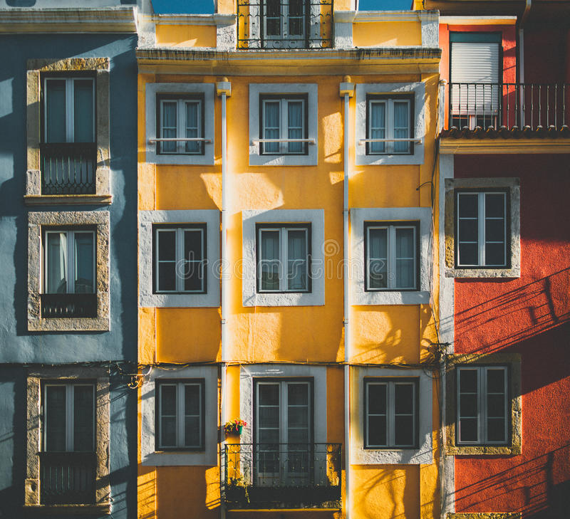 Free Facade Of Residentia House In Portugal Stock Photo - 93808370
