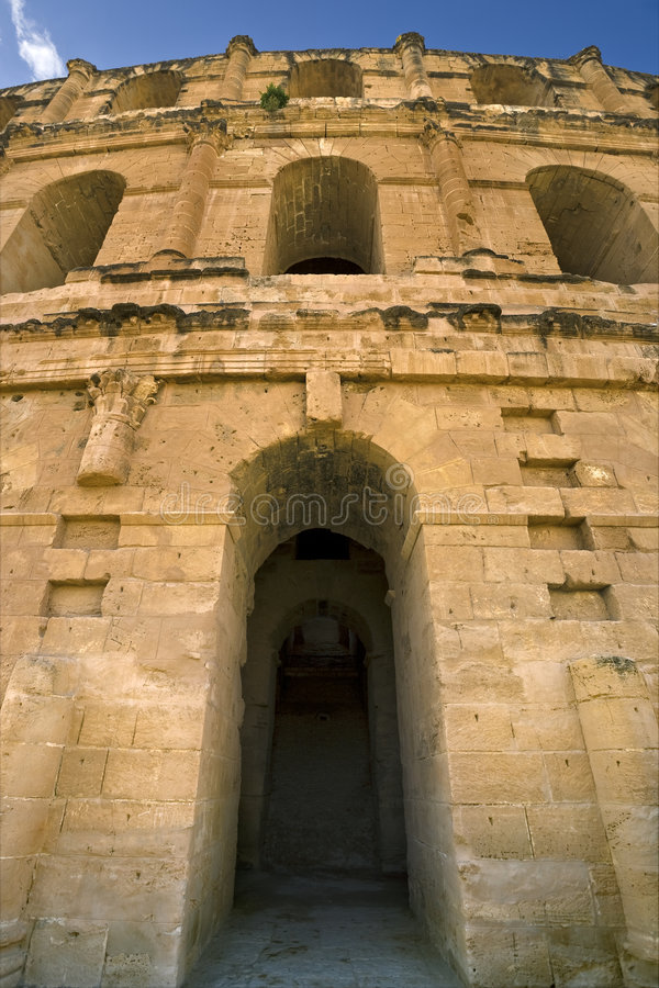 Free Facade Of The Colosseum In El Jem Royalty Free Stock Photography - 7756287
