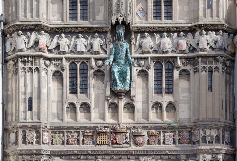 Facaden av yttersidan hänrycker av den Canterbury domkyrkan, Kent, England royaltyfria foton
