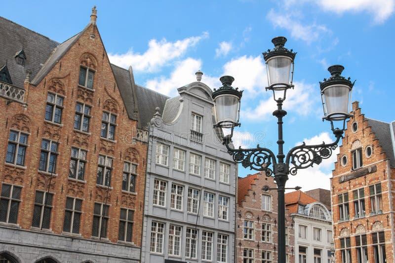 facades Marktvierkant Brugge belgië stock afbeeldingen