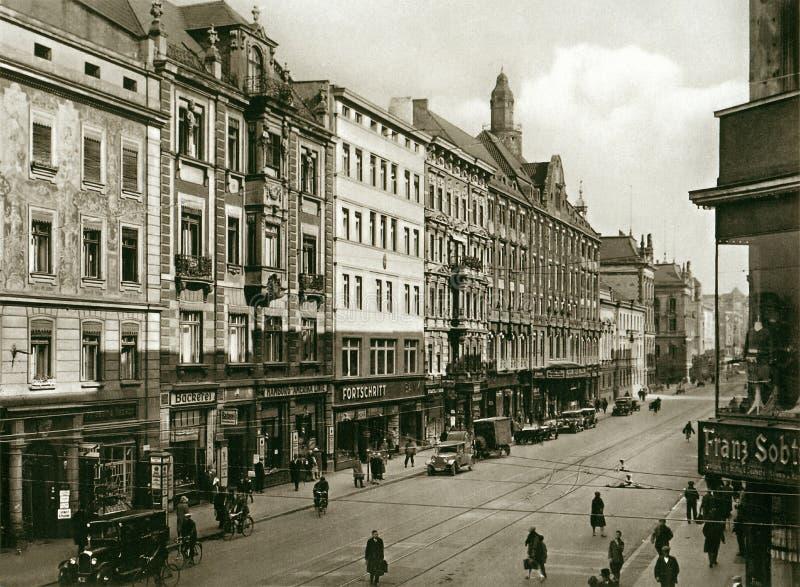 https://thumbs.dreamstime.com/b/facades-old-historic-tenements-rynek-market-square-wroclaw-breslau-poland-90785990.jpg