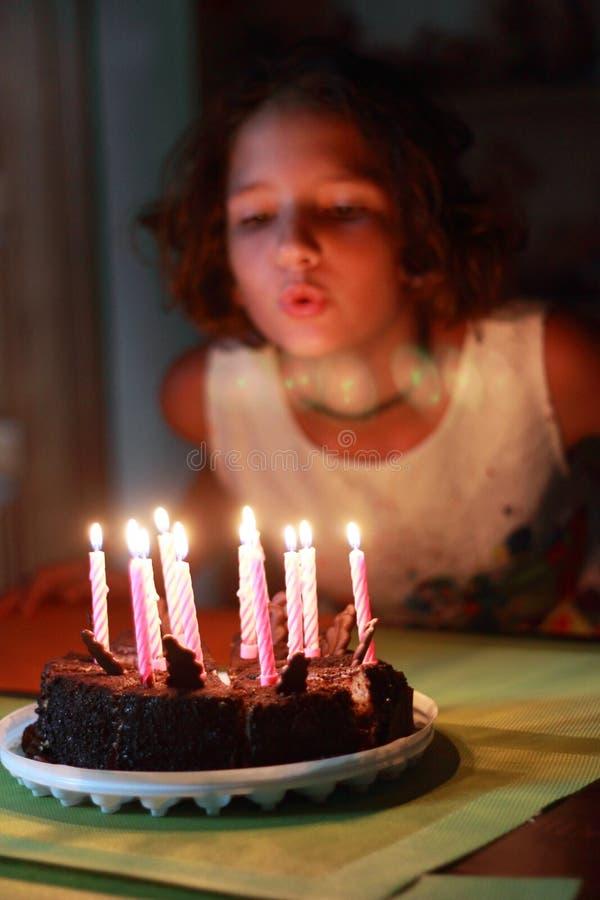 Faccia il desiderio affezionato per un compleanno immagini stock