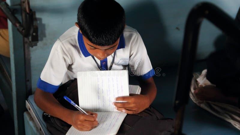 Faccia pressione degli studenti indiani fotografia stock