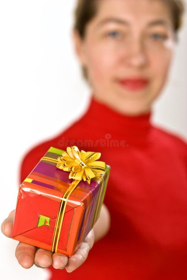 Download Faccia un presente immagine stock. Immagine di celebrazione - 3888737