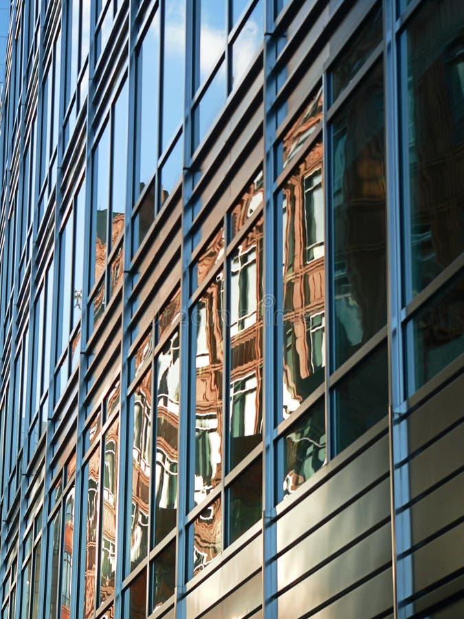 Facciata d'acciaio e di vetro - via di Appold, Londra immagine stock libera da diritti