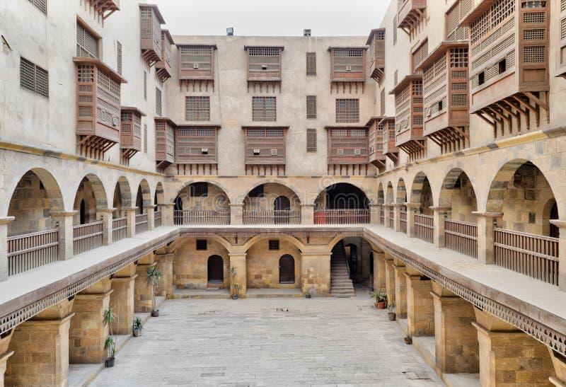 Facciata del caravansary Wikala di Bazaraa, Il Cairo, Egitto fotografia stock