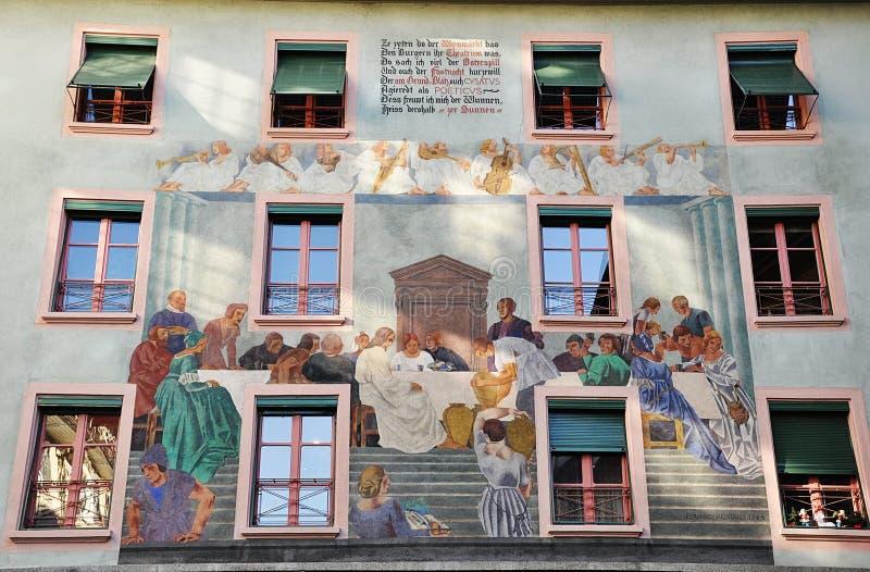 Facciata del dettaglio di vecchia casa Lucerna switzerland fotografia stock