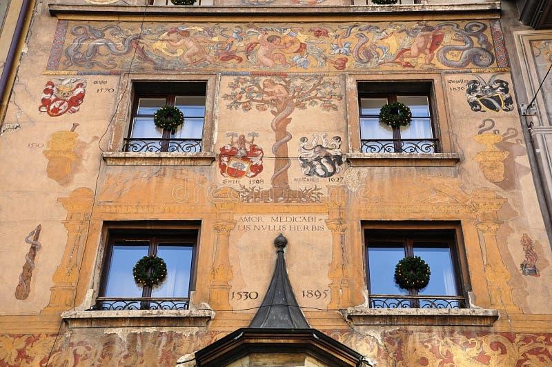 Facciata del dettaglio di vecchia casa Lucerna switzerland fotografia stock libera da diritti
