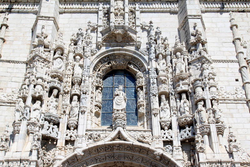 Facciata del DOS Jeronimos, Belem, Portogallo di Mosteiro immagini stock libere da diritti