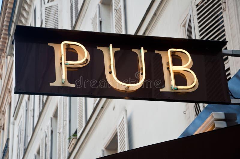 Facciata del pub fotografie stock libere da diritti