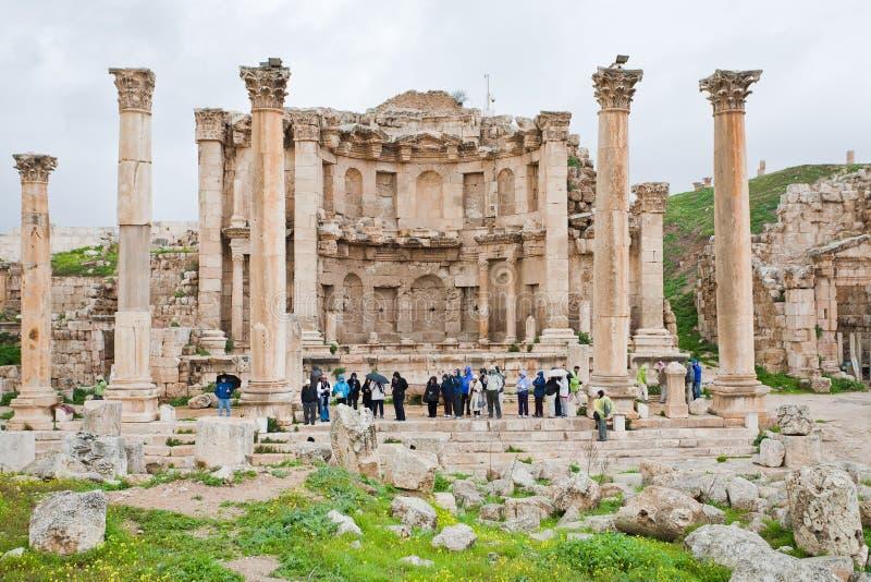 Facciata del tempiale di Artemis in città antica Jerash fotografie stock