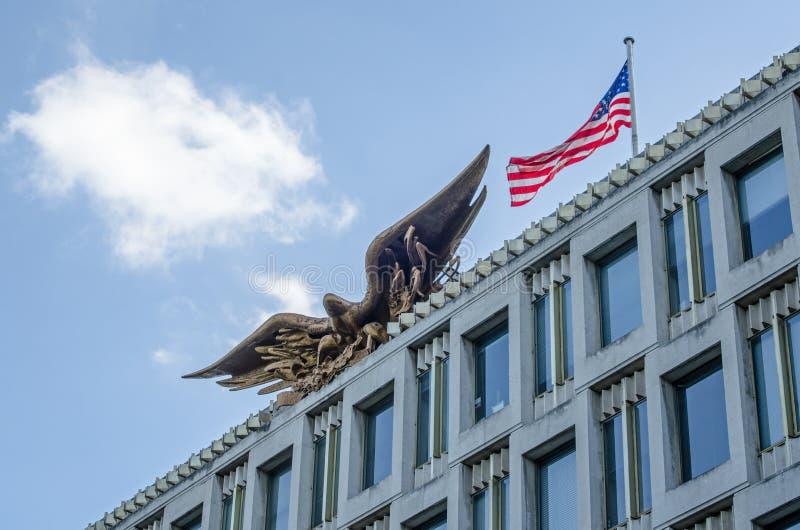 Facciata dell'ambasciata degli Stati Uniti, quadrato di Grosvenor, Londra immagini stock