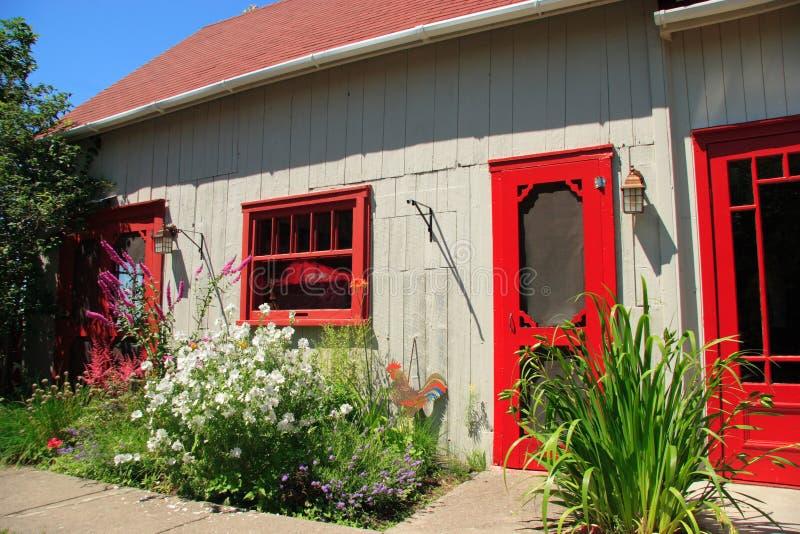 Facciata della casa di campagna fotografia stock for Architettura della casa di campagna