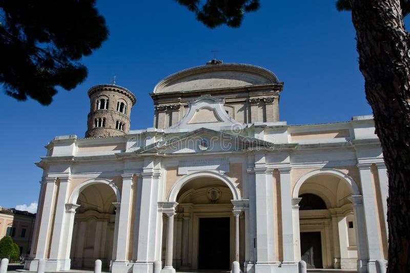 Facciata della cattedrale di Ravenna fotografie stock
