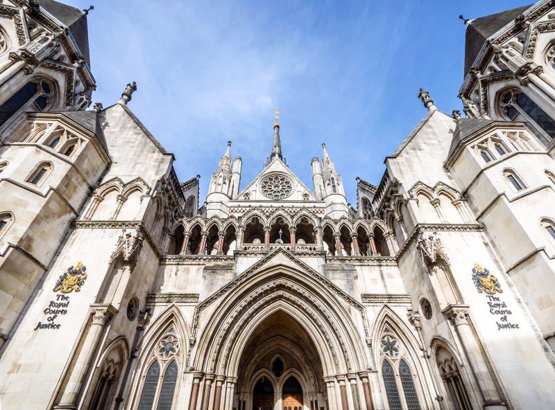 Facciata della Corte di Giustizia reale sul supporto, Londra, Regno Unito fotografia stock libera da diritti