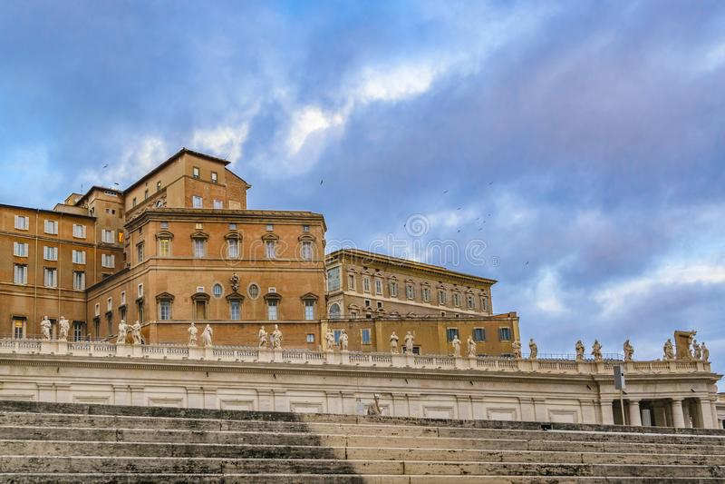 Facciata della costruzione del museo del Vaticano fotografia stock