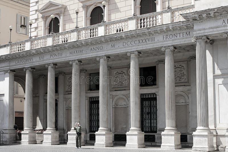 Facciata della galleria Colonna, dal 2003 galleria Alberto Sordi in piazza Colonna, Roma fotografia stock