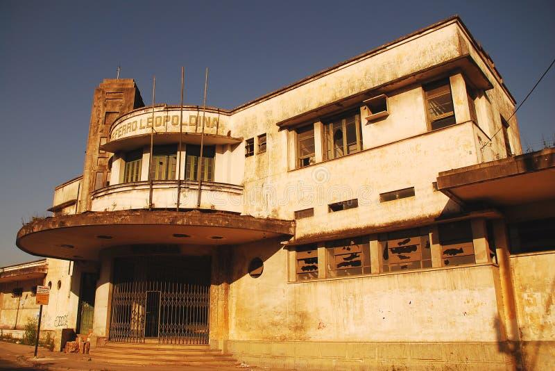 Facciata della stazione ferroviaria abbandonata in Brazil_01 fotografia stock libera da diritti
