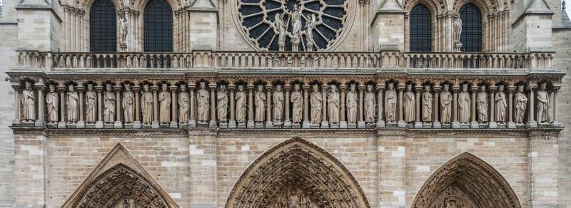 Facciata di Notre-Dame la nostra cattedrale di signora di Parigi, Francia fotografie stock libere da diritti