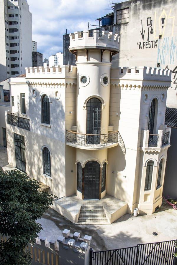 Facciata di poco castello di Apa a Sao Paulo del centro immagini stock