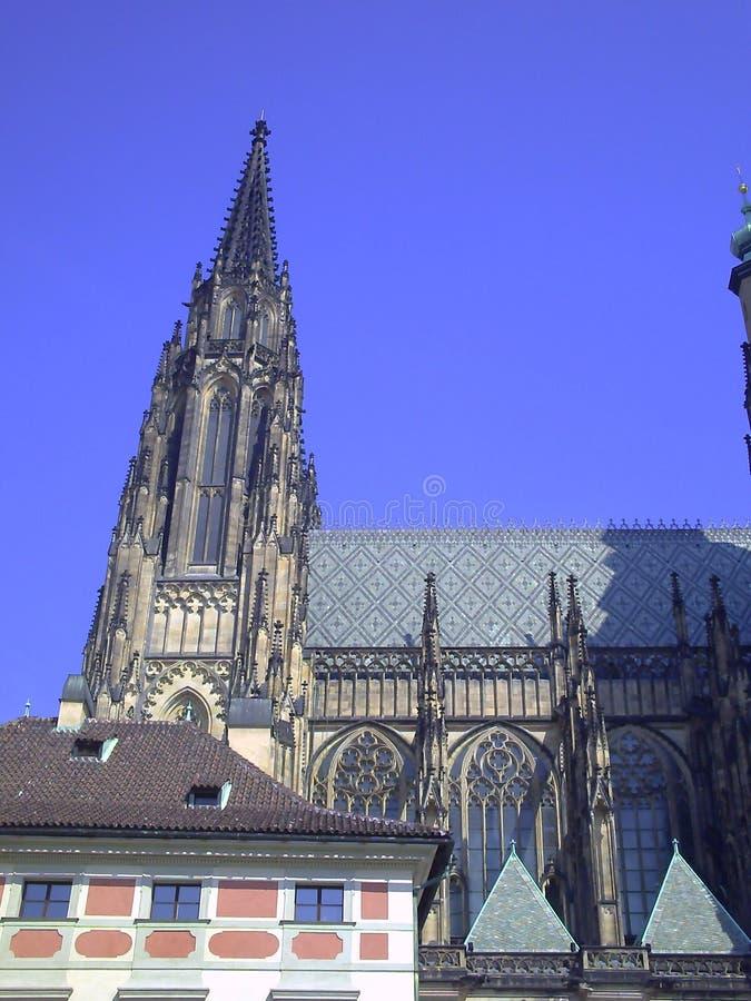 Facciata di Vitus Cathedral del san a Praga immagine stock libera da diritti