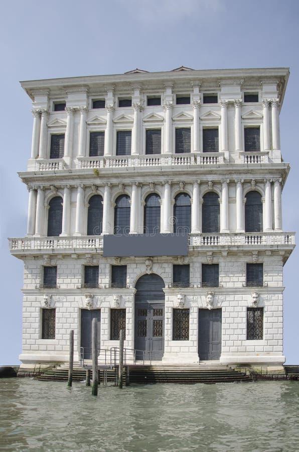 Facciata isolata di una costruzione antica a Venezia, Italia fotografia stock libera da diritti