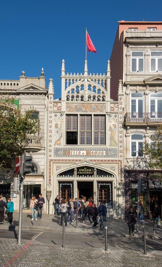Facciata neogotica eccellente di bella libreria di Irmao & di Lello porto portugal immagini stock libere da diritti