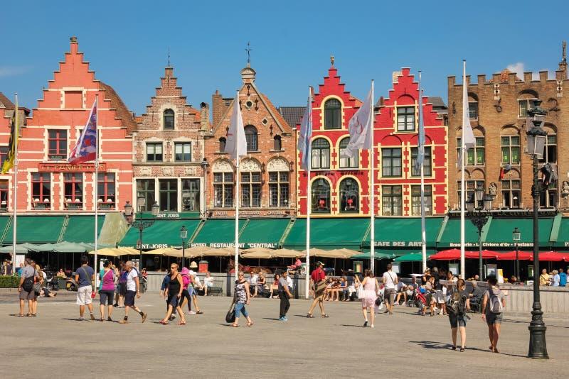 Facciate Colourful Quadrato del mercato Bruges belgium immagine stock libera da diritti