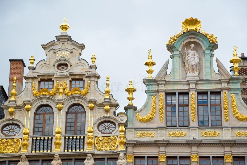 Facciate delle sedi di corporazione su Grand Place Bruxelles, Belgio fotografia stock libera da diritti