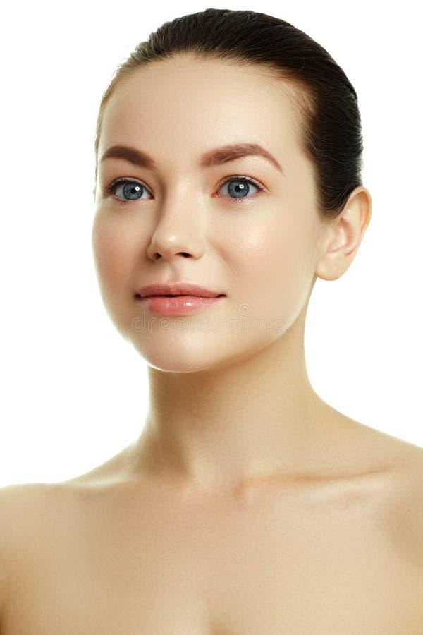 Face bonita de uma mulher caucasiano nova Cara da beleza da mulher imagens de stock