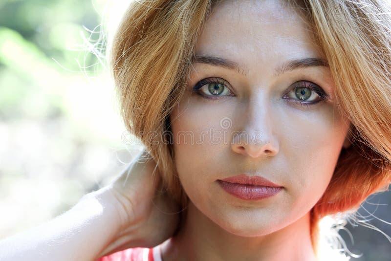 Face da mulher bonita sensual imagens de stock