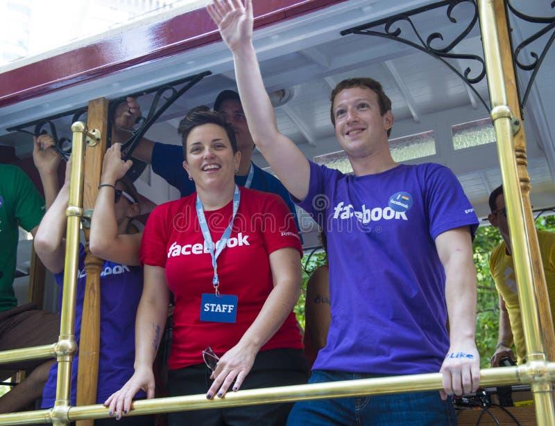 Facebook στην ομοφυλοφιλική υπερηφάνεια του Σαν Φρανσίσκο στοκ εικόνα με δικαίωμα ελεύθερης χρήσης