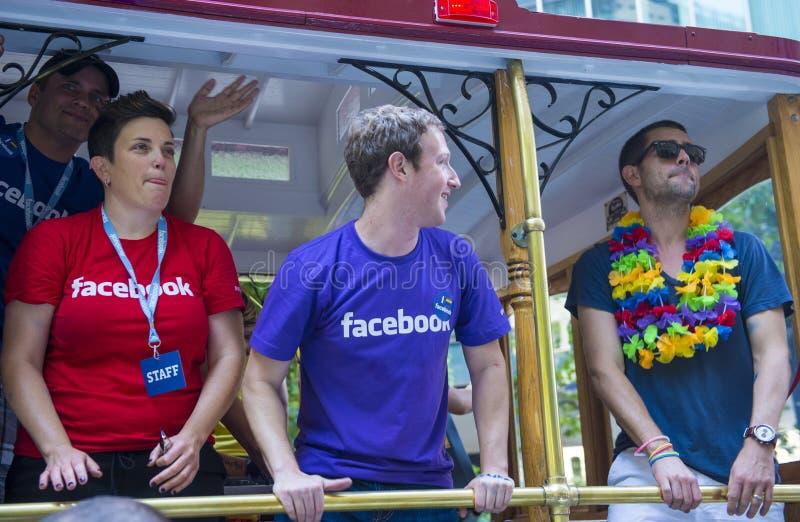 Facebook στην ομοφυλοφιλική υπερηφάνεια του Σαν Φρανσίσκο στοκ φωτογραφίες με δικαίωμα ελεύθερης χρήσης
