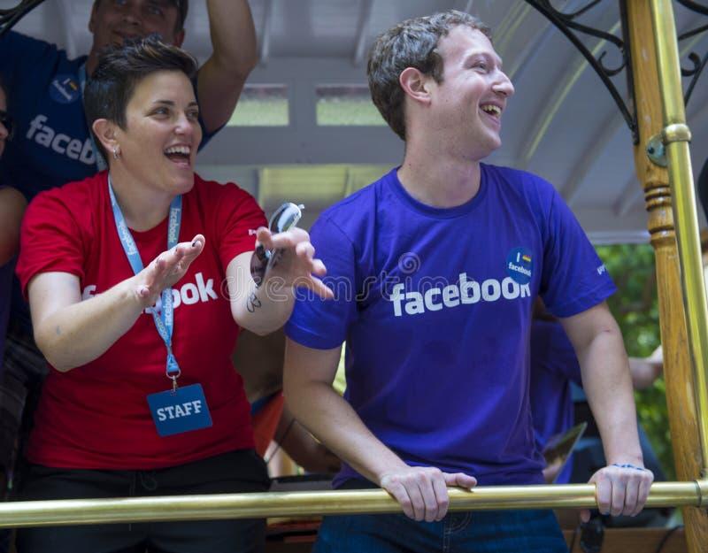 Facebook στην ομοφυλοφιλική υπερηφάνεια του Σαν Φρανσίσκο στοκ εικόνες με δικαίωμα ελεύθερης χρήσης