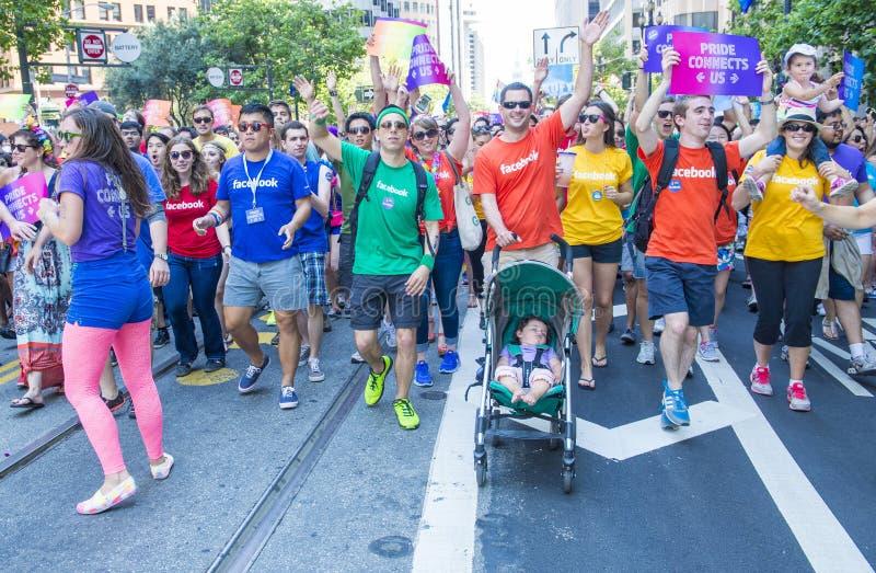 Facebook στην ομοφυλοφιλική υπερηφάνεια του Σαν Φρανσίσκο στοκ εικόνα