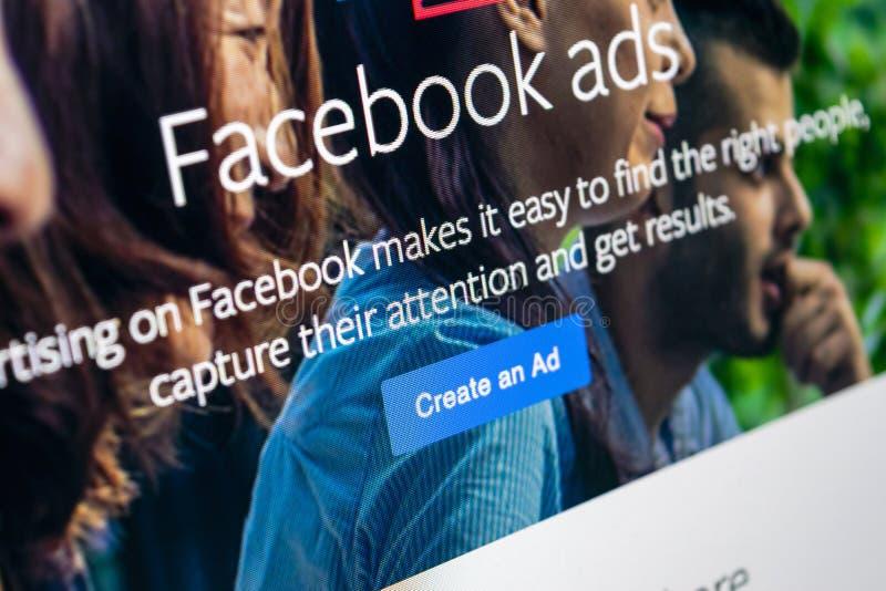 Facebook-Anzeigenanwendungsikone auf Schirmnahaufnahme Apples IMac Facebook-Geschäfts-APP-Ikone Facebook-Anzeigenmobileanwendung  stockbild