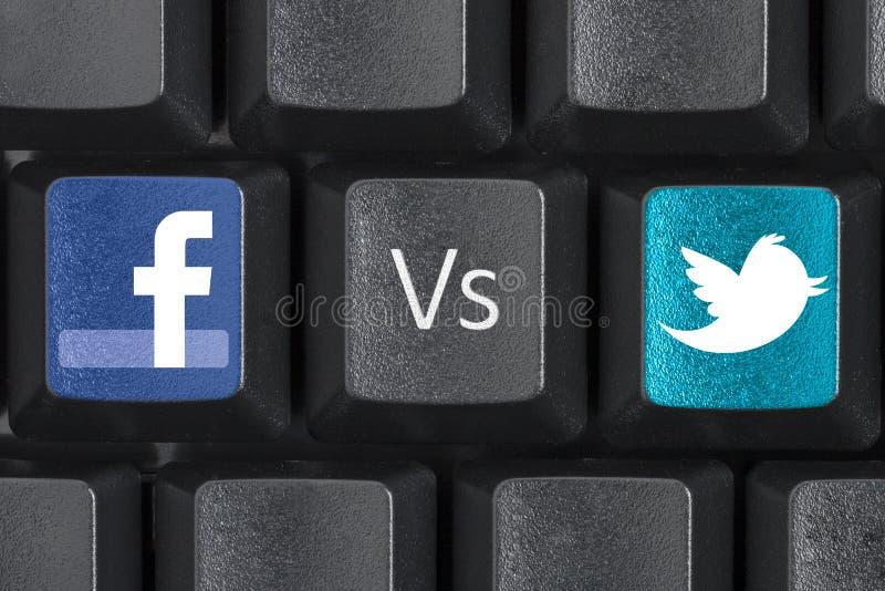 Facebook contro le chiavi di chiave di tastiera del computer di Twitter fotografie stock
