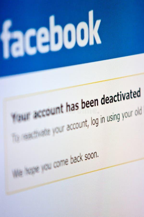 Facebook - entaktivieren Sie Konto stockfotos