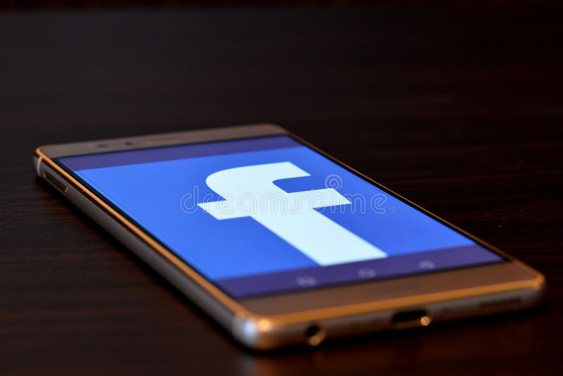 Facebook-Manie lizenzfreie stockbilder