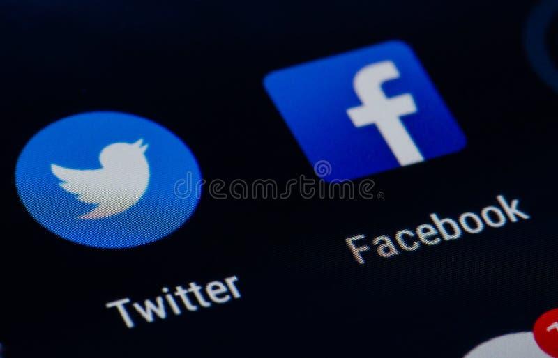 Facebook och Twitter royaltyfria bilder