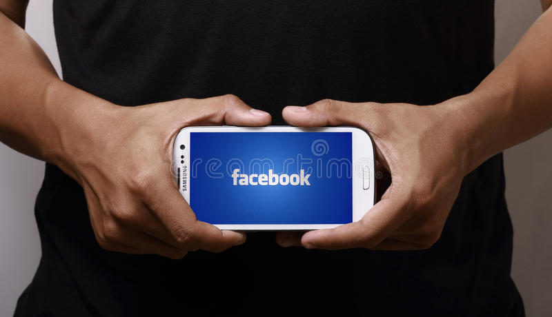 Facebook op smartphone royalty-vrije stock fotografie