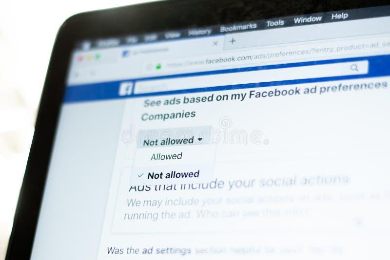 Facebook reklam preferencje - Wybierający pozwolić zdjęcia stock