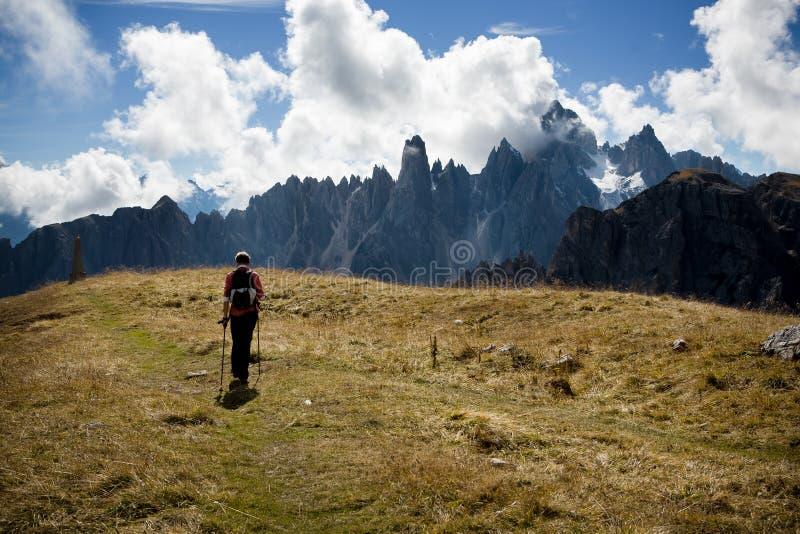 Facendo un'escursione in dolomia fotografie stock libere da diritti