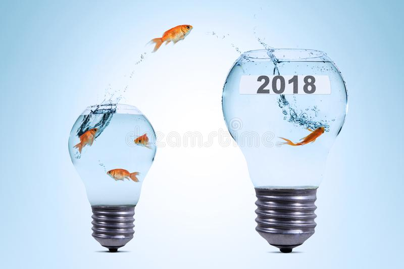 Facendo uso di più creatività a successo nel 2018 immagini stock