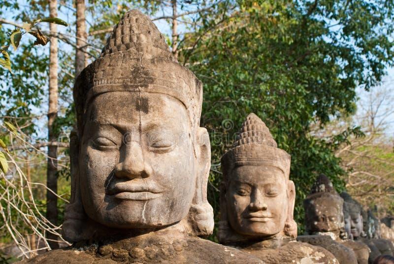 Faces sul 1 da porta de Angkor Thom fotos de stock royalty free