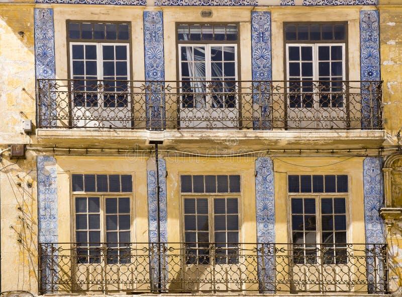 Fachada adornada Coímbra Portugal imagen de archivo