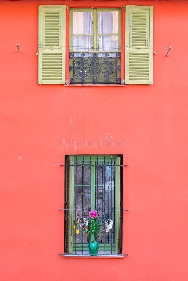 Fachada agradable, colorida imagen de archivo