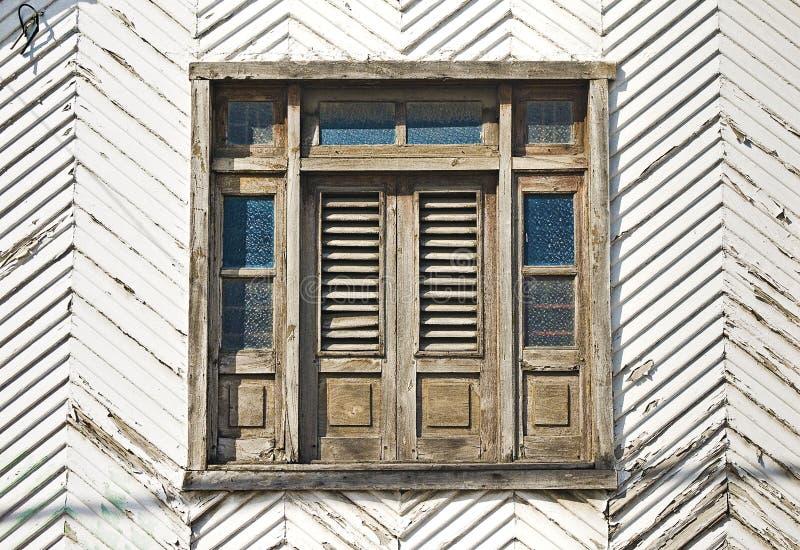 Fachada colonial histórica da parede imagem de stock