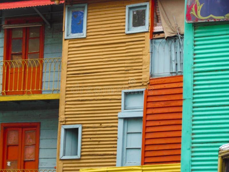 Fachada colorida de las casas en el La Boca fotos de archivo libres de regalías