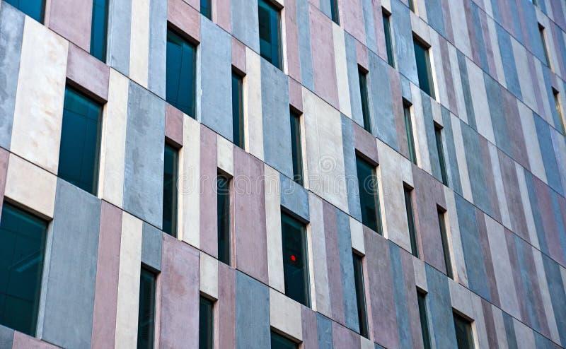 Fachada concreta de un edificio de oficinas fotografía de archivo